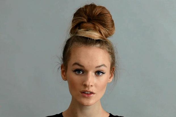 Фото №1 - Beauty-уроки Elle Girl: Как сделать объемный пучок
