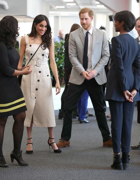 Фото №7 - Меган Маркл и принц Гарри посетили Молодежный форум Содружества