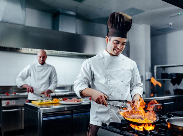 Фото №1 - Спагетти из мяса, лукум из говядины: чем удивляют в московских ресторанах