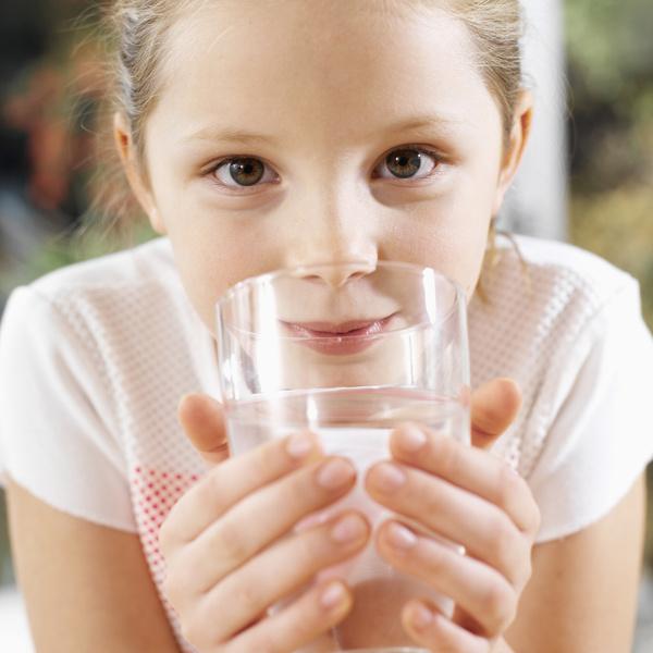 Фото №3 - 8 причин, почему нужно научить ребенка пить воду