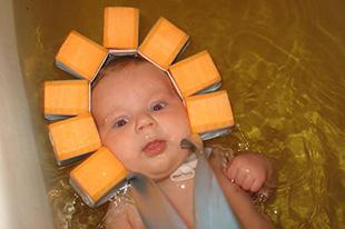 Фото №9 - Аксессуары для грудничкового плавания: что взять с собой в бассейн?