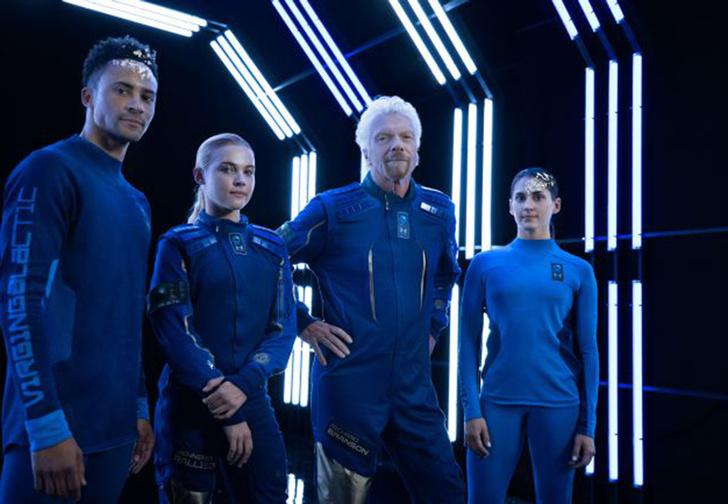 Фото №1 - Ричард Бронсон и Virgin Galactic показали коллекцию одежды для космических туристов (фото и видео)