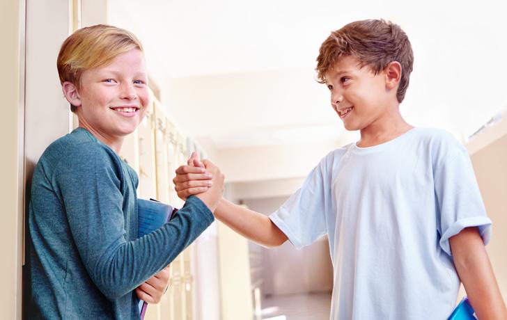 Фото №1 - 8 правил приличия, которым вы забываете научить ребенка
