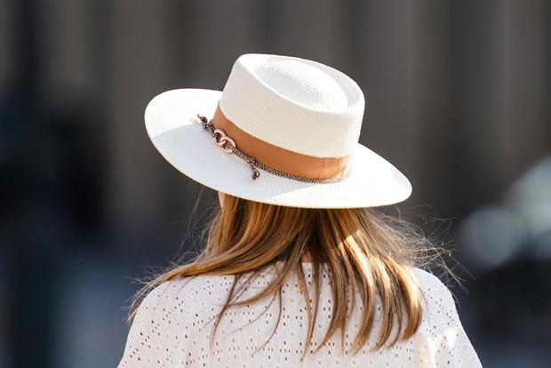 Фото №1 - Французский стиль: 20 трендовых шляп этого лета