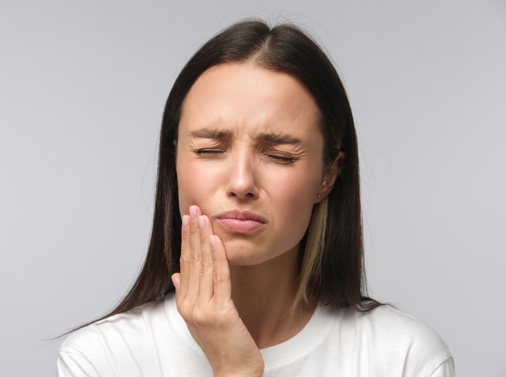 «Насколько опасно терпеть зубную боль?»