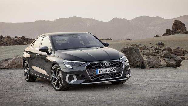 Фото №1 - Ударили по красоте: Audi представила новый компактный седан