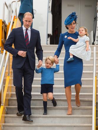 Фото №2 - Самое странное правило, которому обязаны следовать все женщины королевской семьи