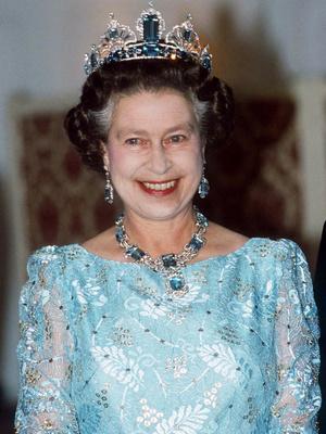 Фото №16 - Полный комплект: самые роскошные парюры британской королевской семьи