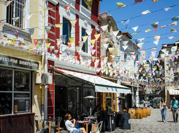 Фото №18 - Где спрятаться от туристов: 10 городов-альтернатив в Европе