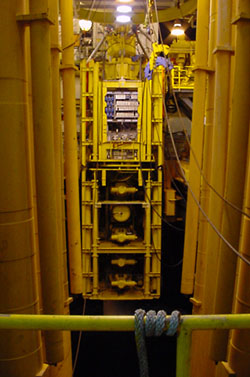 Фото №4 - Боковой выход глубоководной скважины