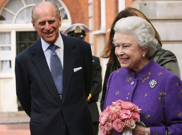 Фото №2 - Особая традиция: какой сюрприз принц Филипп готовит Королеве на каждый ее день рождения