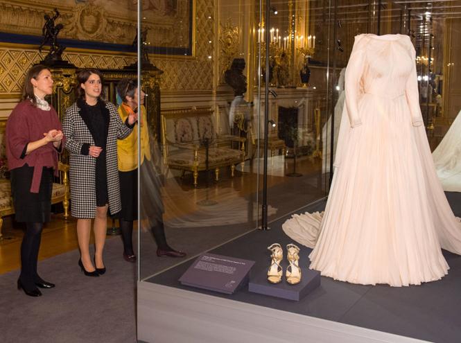 Фото №2 - Как на свадьбе принцессы Евгении проявился «эффект Грейс Келли»