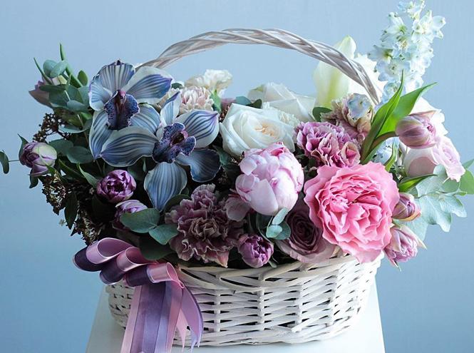 Фото №6 - Практичная флористика: почему букеты в вазах, корзинах и шляпных коробках стали так популярны