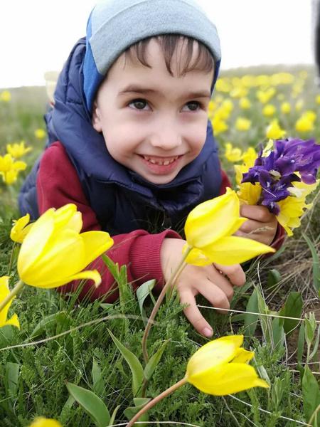 Фото №11 - Дачные радости для малыша: голосуем за самое яркое детское фото