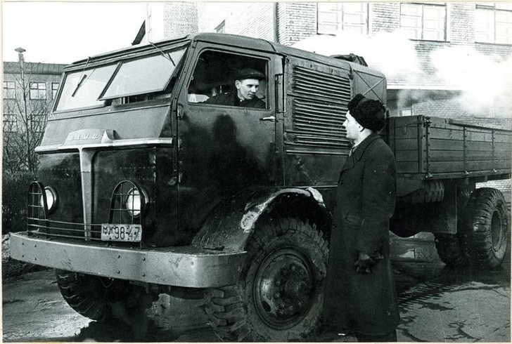 Фото №3 - Советский грузовик, который работал на дровах