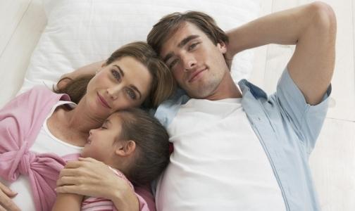Фото №1 - Минздрав разрешит онкобольным родителям и инвалидам усыновлять детей