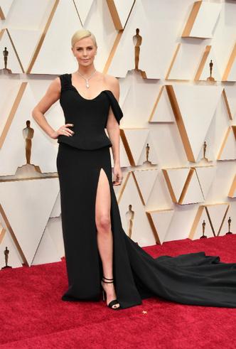 Фото №3 - «Оскар-2020»: лучшие образы церемонии награждения