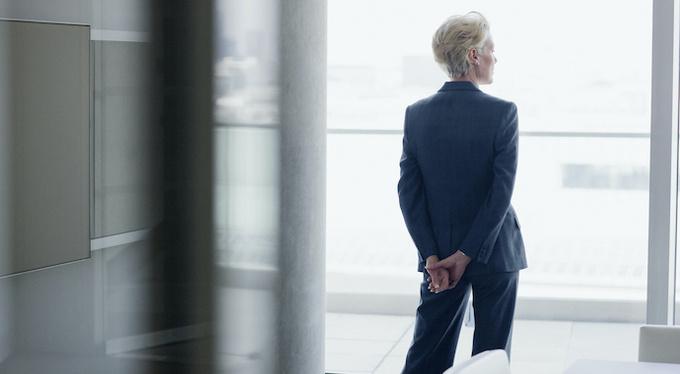 Почему успешным женщинам «не везет» в любви?