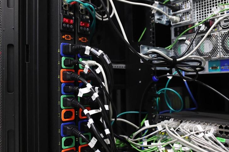 Фото №3 - Техноулей. Как выглядит изнутри дата-центр для облачного гейминга (фото и видео)