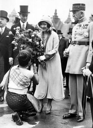 Фото №11 - Улыбчивая королева: 8 самых любопытных фактов о прабабушке принца Уильяма