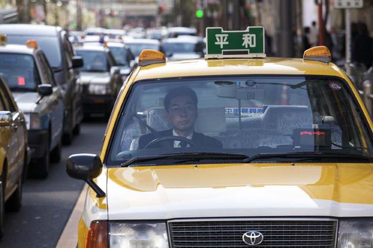 Фото №5 - По земле, воздуху и воде: как работает такси в разных уголках мира