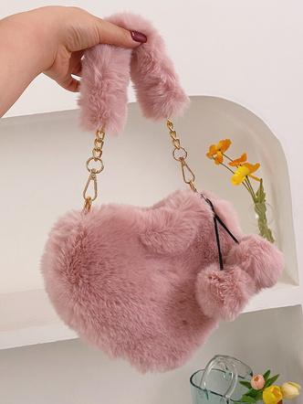 Фото №5 - Вместо плюшевого мишки: 5 модных меховых сумок, с которыми ты не захочешь расставаться