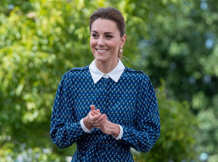 Фото №1 - Неожиданная причина, почему мы так часто видим Кейт в голубых и синих нарядах