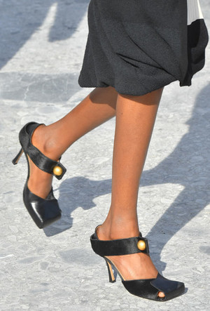 Фото №3 - «Уродливая» мода: почему современные тренды нас отталкивают (и как научиться их понимать)