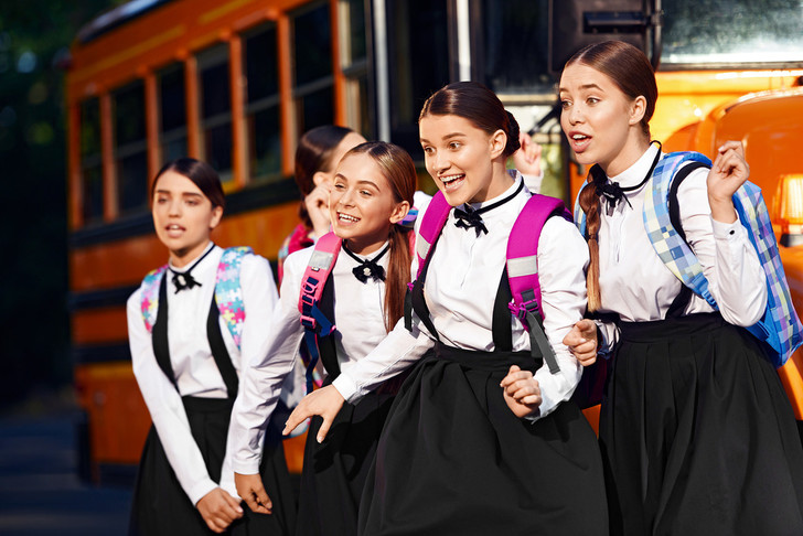 Фото №1 - Open Kids отправили в институт благородных девиц!