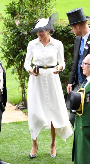 Фото №5 - Почему герцогиня Меган внезапно увлеклась розовым и бежевым