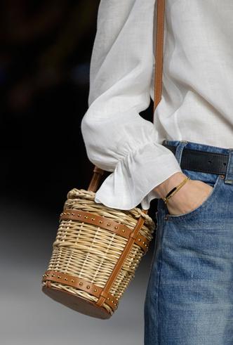 Фото №34 - Самые модные сумки весны и лета 2020