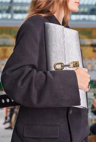 Фото №11 - Самые модные сумки весны и лета 2021
