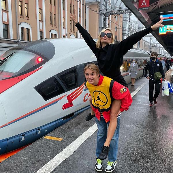 Полина Гагарина, инстаграм, фото 2021, последние новости, Гагарина с сыном, дети Гагариной