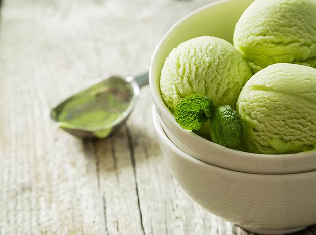 Фото №7 - Спасительная прохлада: 5 рецептов замороженных десертов