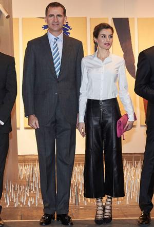 Фото №6 - Бунтарки: как королевские особы носят кожаные вещи