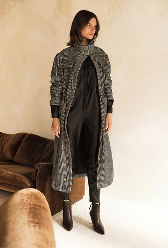 Фото №3 - Простой крой и универсальная палитра: как собрать гардероб в скандинавском стиле