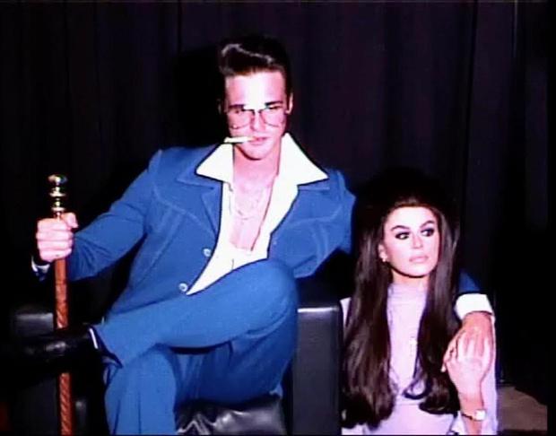 Фото №1 - Кайя Гербер и ее бойфренд повторили образ Присциллы и Элвиса Пресли. Получилось очень похоже!