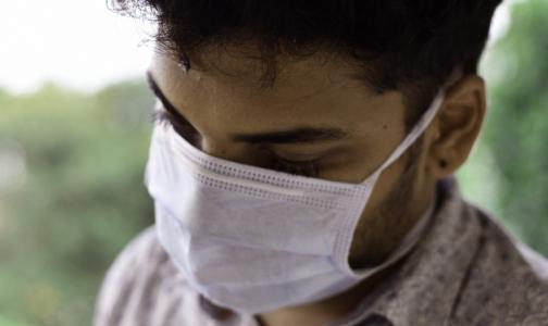 Фото №1 - В комздраве Петербурга рассказали, сколько медработников в Боткинской больнице подключены к аппаратам ИВЛ