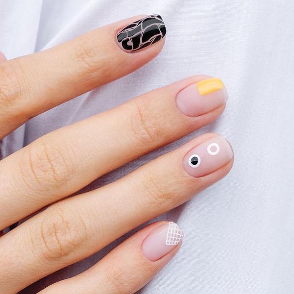 Фото №4 - Модный маникюр на короткие ногти 2021