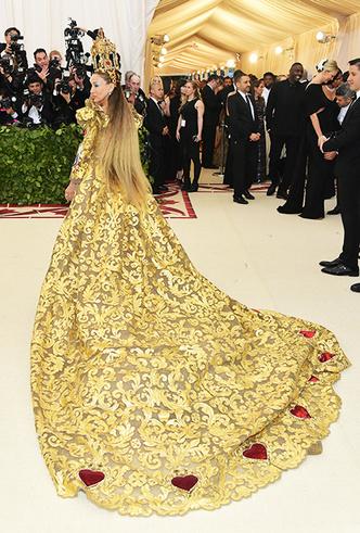 Фото №21 - Met Gala 2018: платья, которые уже вошли в историю