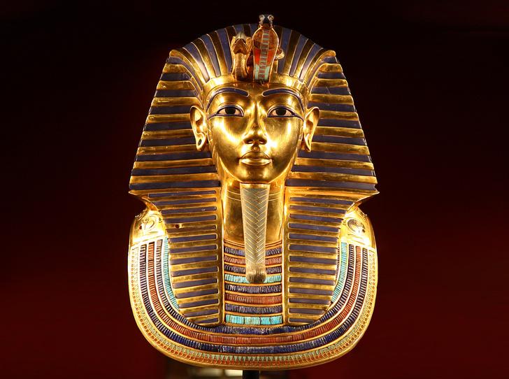 Фото №1 - Золотая маска Тутанхамона изначально предназначалась для Нефертити