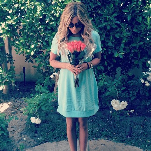 Фото №2 - Звездный Instagram: Знаменитости и цветы