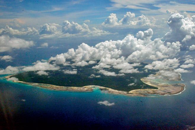 Фото №1 - Последний остров на Земле, где обитают первобытные люди