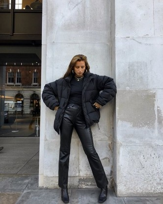 Фото №6 - Inspiration: смотри, с чем носить дутую куртку зимой 2020-2021