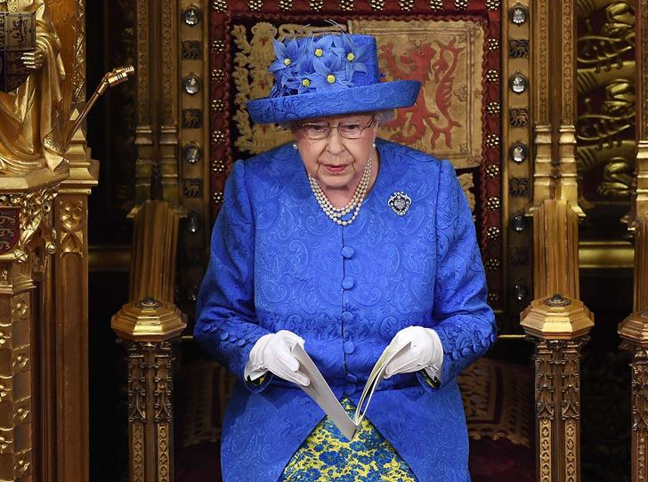 Фото №8 - Секреты Елизаветы: 8 новых историй о гардеробе Королевы