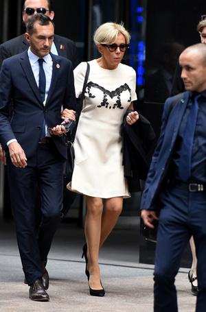 Фото №5 - Первый стилист Франции: кто одевает Брижит Макрон