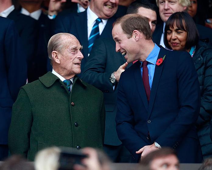 Фото №17 - Любимый дедушка: 25 самых трогательных фото принца Филиппа с внуками