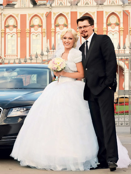 <p>Гарик Харламов с первой супругой Юлией Лещенко</p> <p>» class=»lazy-image__image _noscript» data-v-16fc2d4a></noscript></p> <div class=