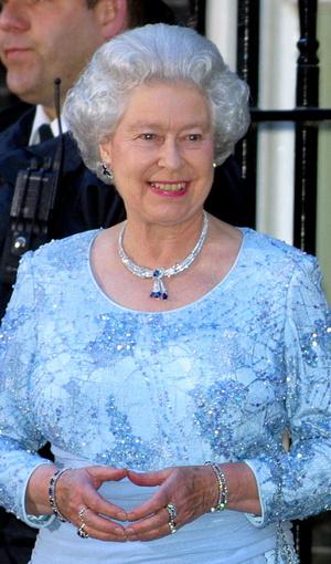 Фото №13 - Самый загадочный камень: как королевские особы носят сапфиры