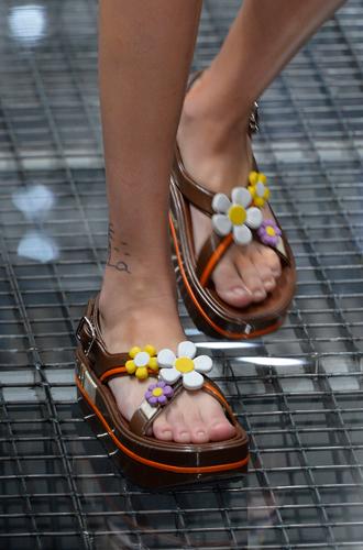 Фото №18 - 10 весенних трендов с Недели моды в Милане